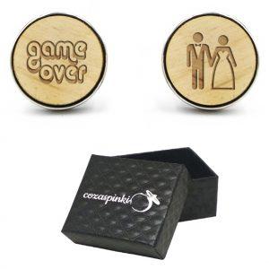 Spinki do mankietów okrągłe z grawerem GAME OVER + PARA MŁODA